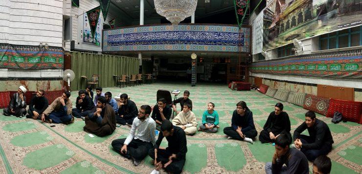 گزارش تصویری برگزاری جلسات شب شعر در حوزه علمیه