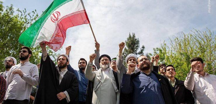 اجتماع حوزویان در حمایت از سپاه پاسداران